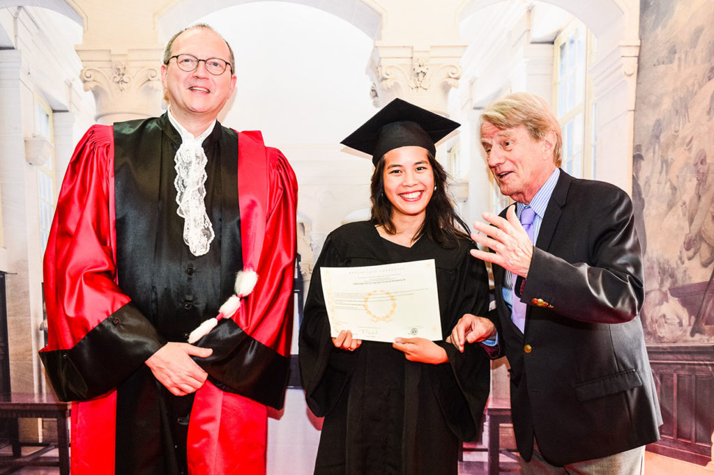 Diplomes - Bernard Kouchner
