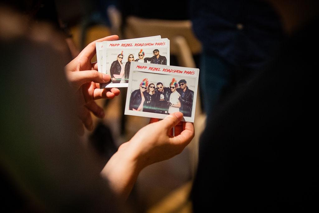 Photos Polaroid instantanées réalisées avec un appareil des années 60 et des pellicules Instax